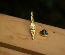 Retro Twisted Cat Gold Tone Metal Lapel Pin Pinback Brooch