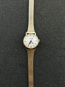 VINTAGE LADIES GIRARD PERREGAUX ELECTRONIC WRISTWATCH KEEPING TIME