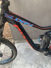 Giant Glory Downhill Bike Mint Condition. Nvr Ridden On Trails or Downhill