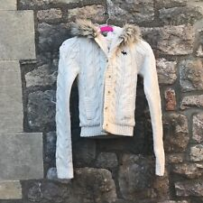 Abercrombie and Fitch - Chunky knit white jumper/coat - Great condition