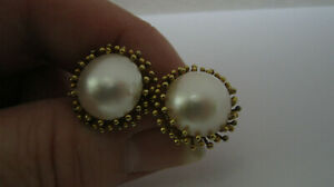 Vintage Flower Style 14ct Gold Mabe Pearl Earrings - 9.8 Grams