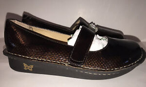 Alegria Mary Janes FEL-713 Brown Reptile Print Patent Leather 38 US 8 8.5