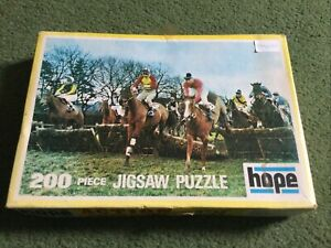 VINTAGE HOPE JIGSAW PUZZLE 200 PIECES 'OVER THE FENCES' HORSE RACING