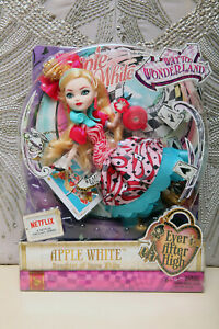 RARE-EVER AFTER HIGH DOLL -APPLE WHITE DAUGHTER OF SNOW WHITE WAY TOo WONDERLAND