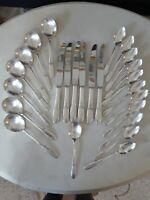 "Antique Oneida TUDOR Silver Plated Flatware Set Pattern ""FANTASY"" 1941, 28 Pc."
