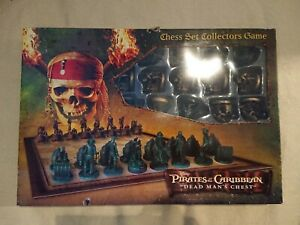 Pirates Of The Caribbean - Dead Man's Chest - Chess Set