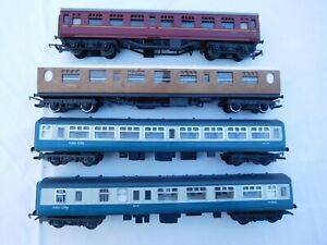 HORNBY TRI-ANG 00 GAUGE FOUR COACHES