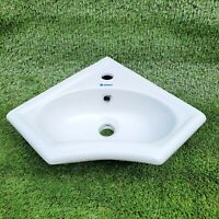 Sanart Ceramics Collection White Basin 14.567in x 14.657in