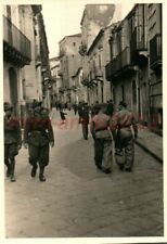 Foto, Luftwaffe, ITALIA, CATANIA aviatori I.D. città vecchia, 1942; 5026-212
