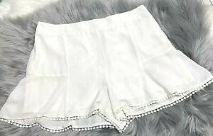 Cupcakes and Cashmere Polyester Shorts Stiching Edging Size M NWT ($39)