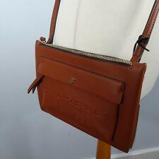 Neues AngebotNEU BNWT Fiorelli Alexa zeitgenössische Tan Cross Body Handtasche Tasche Damen