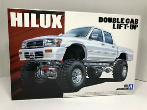 Aoshima HILUX * Toyota Double Cab *  Lifted Show Truck Kit