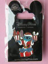 Pin's Stitch pére noel , Disney (Cadeau Ideal Pour Noel)