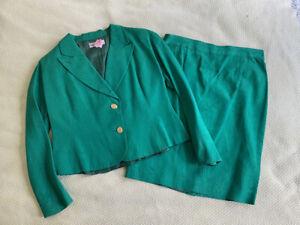 CHRISTIAN DIOR COORDONNES Vintage Green Suit. Size Medium Approx.