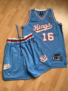 VTG 90's Sacramento Kings NBA Peja Stojakovic shorts jersey