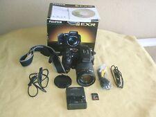 Fujifilm s200 EXR DIGITALCAMERA 12 Mega Pixel opt Zoom 14,3x obiettivo 30,5-436mm