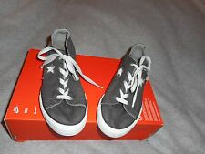 CONVERSE ONE STAR GRAY WITH SKULLS GYM SHOES SIZE 5