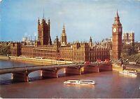 B102686 houses of parliament and westminster bridge london   ship bateaux  uk