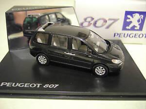 PEUGEOT 807 noir échelle 1/43 fabri NOREV 478703 voiture miniature de collection