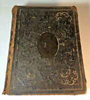 1865 THE HOLY BIBLE OLD AND NEW TESTAMENTS PHOTOS FAMILY HISTORY CASE & LOCKWOOD