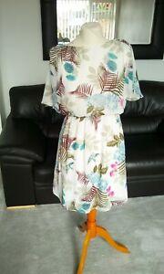 Ladies cream patterned  summer dress, size 12