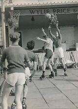ANGLETERRE 1957 - Basket sur Patins à Roulette  Herne-Bay Kent - PR 576
