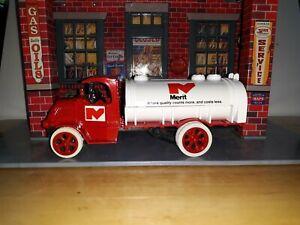 Ertl Truck Car Diecast 1926 Mack Bulldog Tanker