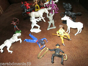Lot anciennes figurines western