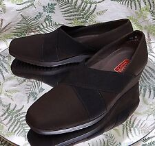 MUNRO BROWN FABRIC LOAFERS SLIP ONS BUSINESS DRESS HEELS SHOES WOMENS SZ 7.5 W