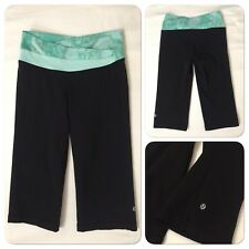 0418140 Lululemon Size 4 Dharana Crop Black Green Yoga Fitness Capri Pants