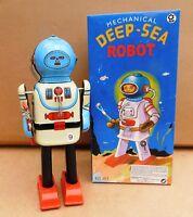 Robot mécanique en tôle. DEAP-SEA ROBOT.   22 cm - état neuf MS401