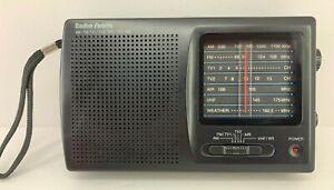 Radio Shack Portable Multiband Radio 12-456 AM/FM/TV/AIR/VHF/WX Tested Works