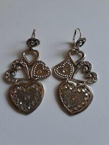 Belles boucles d'oreilles cœurs dormeuses pendantes de marque Gas