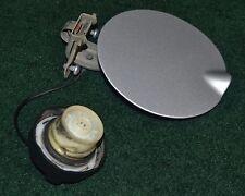 07 08 09 10 11 12 DODGE CALIBER FUEL DOOR LID FILLER WITH GAS CAP, SILVER, USED