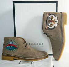 NIB Authentic GUCCI Taupe Suede UFO&OWL Applique CHUKKA Desert Boots 8 US-9
