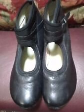 Womens Black Wedged Tsubo Brand Shoes Size 10