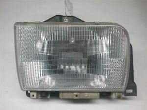 2004 NISSAN UD RIGHT PASSENGER HEADLIGHT HEAD LIGHT LAMP