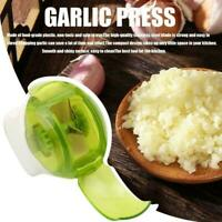 Garlic Cutter Roller Onion Crusher Herb Slicer Food Chopper Press Y5W0