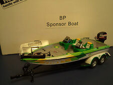 CREATIVE MASTERS RANGER BP BOAT AND TRAILER 1/24TH SCALE W/CASE NEW IN  BOX.