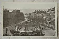 """CPA """" CLERMONT-FERRAND - Place St Hérem et le Puy de Dôme"""
