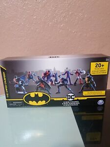 BATMAN 8-Pack of Collectible Mini Action Figures New 2020 Kid Toy Gift