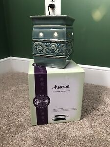 Armerina Scentsy Warmer Greenish Color Ceramic Plug In Electric Full Size NIB