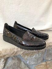Stuart Weitzman Women's Sz  8.5 Nice Patent Croc Embossed Platform Loafers Brown