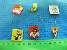 Lot of 6 Tweetie & Sylvester badges/stick pins,1976(different lot (A).