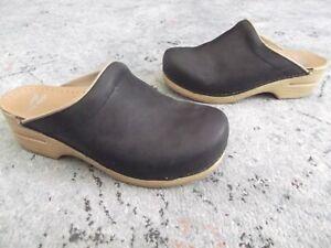 Dansko Sonja Black Leather Shoes Clogs Slip-On Mules Size 40 / 9.5 - 10