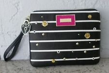 NEW WITH TAG BETSEY JOHNSON BLACK WHITE TOP ZIP POUCH CLUTCH WRISTLET