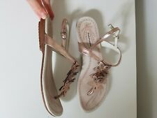 Hush Puppies 6 Rose Gold Floral t-bar thong sandals