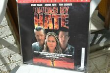 DIVIDE BY HATE   - D.Walsh A.Roth T.Skerritt - FREE 9 Pays Mondial Relay Point
