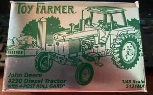 1/43 SCALE ERTL JOHN DEERE 4230  DIESEL TRACTOR 1998 TOY FARMER 5131MA