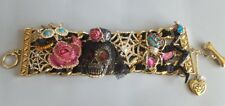 BETSEY JOHNSON Betsey Johnson Creepshow Skull Bride Critter Bracelet